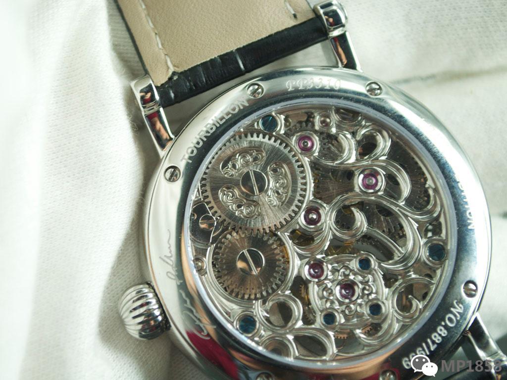 海鸥陀飞轮镂空机芯在手表上的详解应用