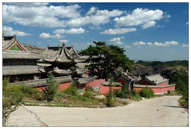 """内蒙古值得参观的寺庙444年喇嘛洞召——乾隆御赐名""""广化寺"""""""