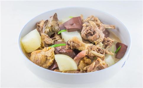 鸭肉跟什么一起炖好吃 鸭肉炖汤做法
