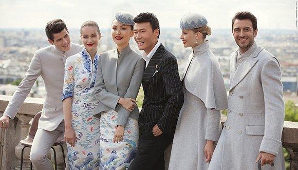 海航在巴黎时装周亮相的新制服 它是如何设计的?