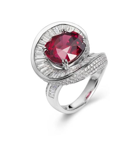 """刘斐红宝石作品""""Ruby Helix Ring""""被苏富比""""红宝石""""收藏画册收录"""