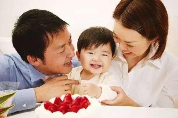 学会这四个小技巧 帮助宝宝不再垂涎三尺