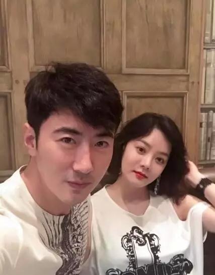 韩女星蔡琳怀孕6个月 中国媳妇练瑜伽为待产做准备