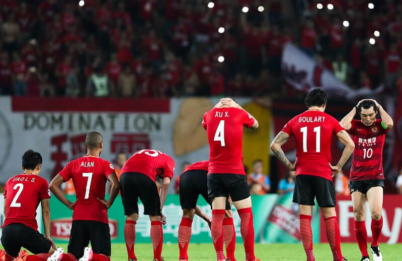 上港惊险淘汰恒大晋级虽值得庆贺,但博阿斯的队伍不具备冠军相