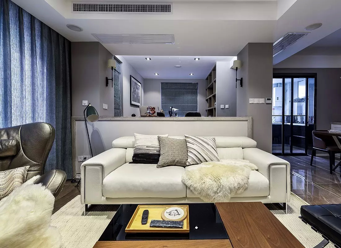 武汉120㎡简约三房,矮墙沙发隔断,半开放的书房真漂亮