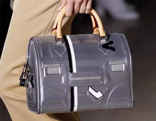 2017秋冬流行包包款式 大牌包包流行趋势抢先看