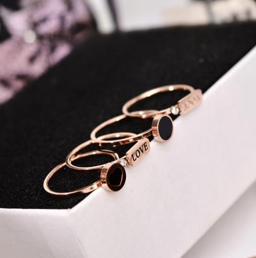 简约大方日韩版时尚个性混搭戒指搭配推荐