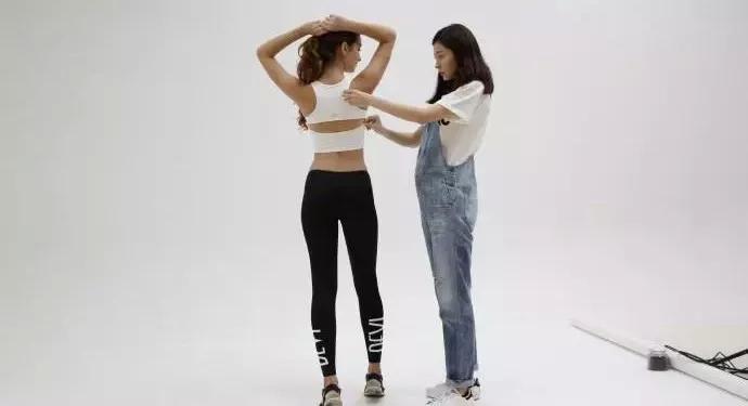 熊黛林公布怀孕喜讯,忙于事业用瑜伽安胎!