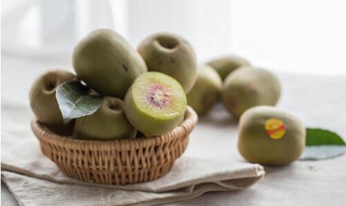 多吃碱性食物有益于改善身体的酸碱平衡