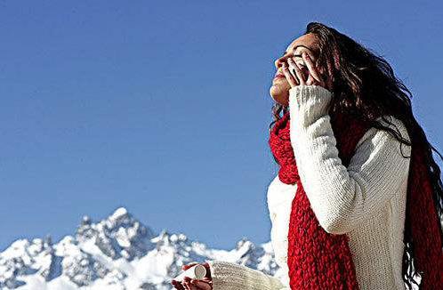 滑雪也能晒黑?欧华美容皮肤科专家提醒您冬季防晒更关键