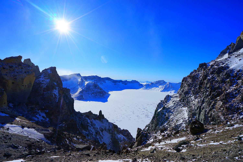 长白山天池实在是太美太美,在零下28度极寒天气下顶着8级大风我毅然决然登顶