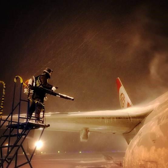 海航技术:风雪中的飞机安全守护者