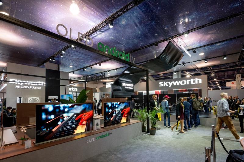 在CES 2018,创维OLED电视引发围观