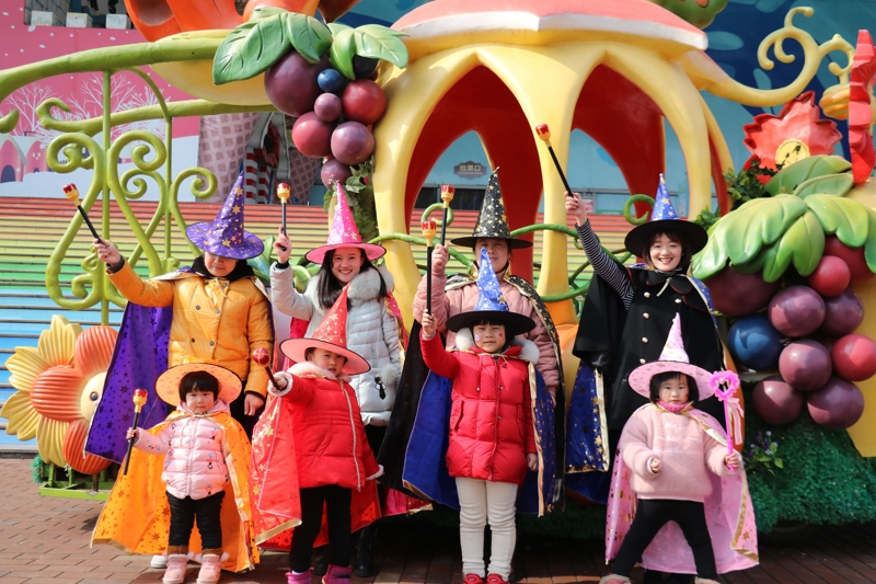 杭州烂苹果乐园穿越新玩法 不穿魔法服不得入园
