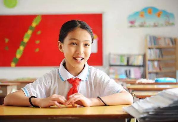 10岁小萝莉翻唱许巍经典,声音酷似田震,这届00后简直躁翻天