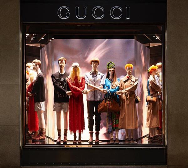 """奢侈品龙都国际娱乐都开始拒绝皮草 这是在时尚圈""""摔跤""""了?"""