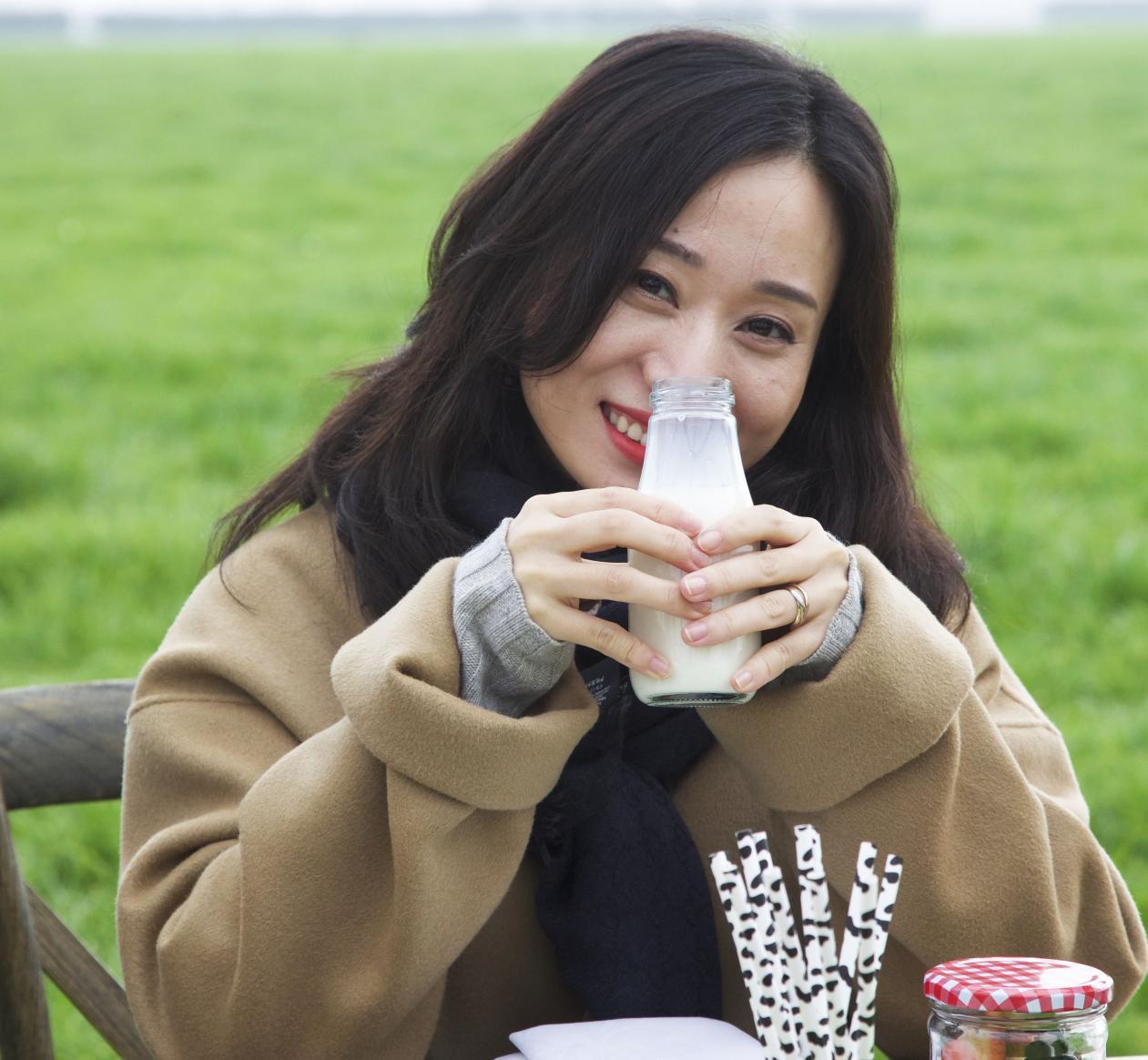 满趣健草饲奶粉为中国宝宝定义奶粉新标准