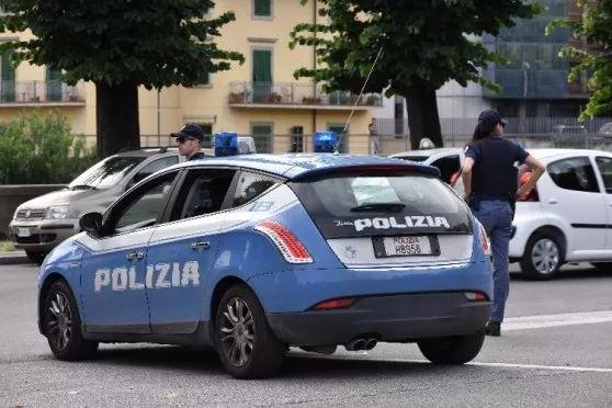 意大利华人男子无证驾车被查 200欧贿赂警方