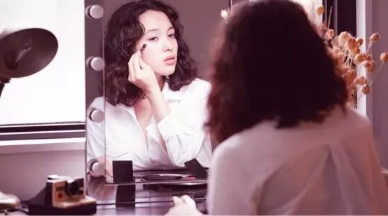 白领女性职场必备,618必买好物DAZZSHOP眼妆系列