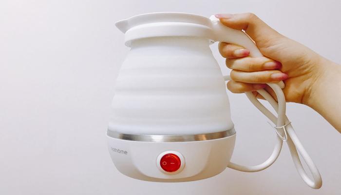 这个北欧的电水壶,折叠后竟然只有手掌那么大
