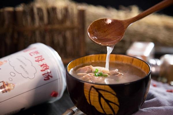 世界旅游小姐都在Pick的皇卫自热鸡汤,世界杯夜宵神器,风靡全国!