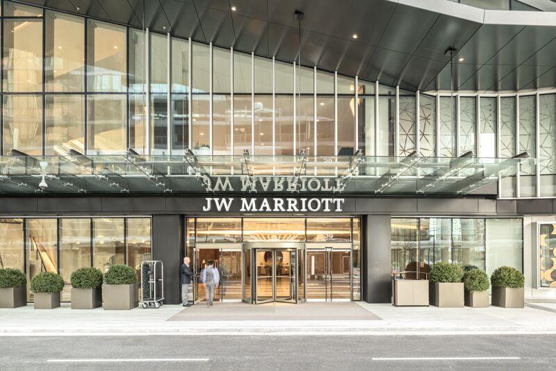 道格拉斯傲途格精选酒店与温哥华帕克JW万豪酒店惊艳亮相