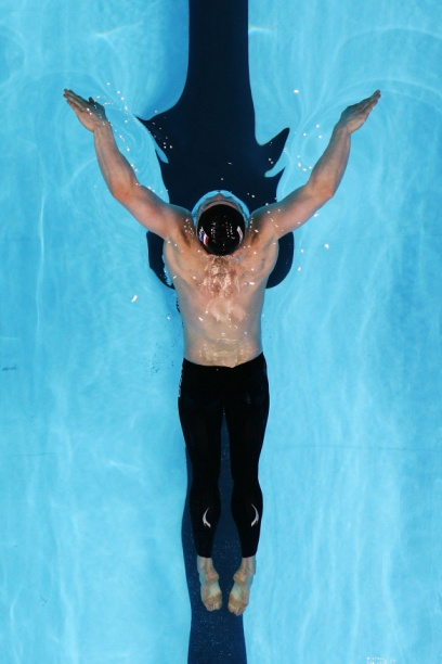 游泳池对水深有一定限制,适合初学者.jpg