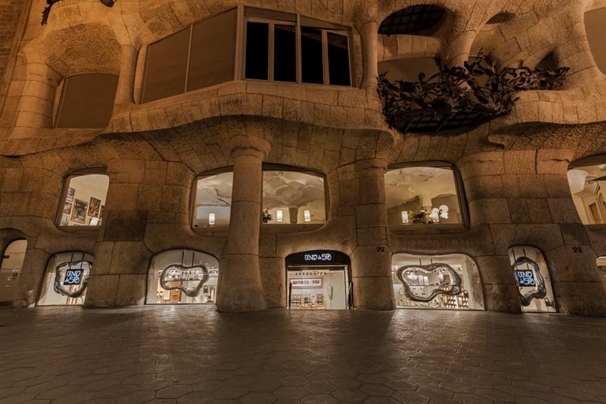 第二篇新闻稿图片/01-UNOde50巴塞罗那%20CASA%20MILà%20米拉之家%20门店.jpg