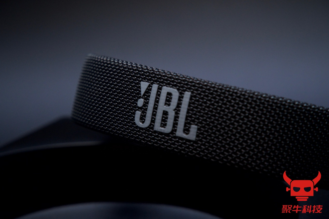 D:\聚牛科技\评测\JBL LIVE 500BT\素材\水印\DSC03934.jpg