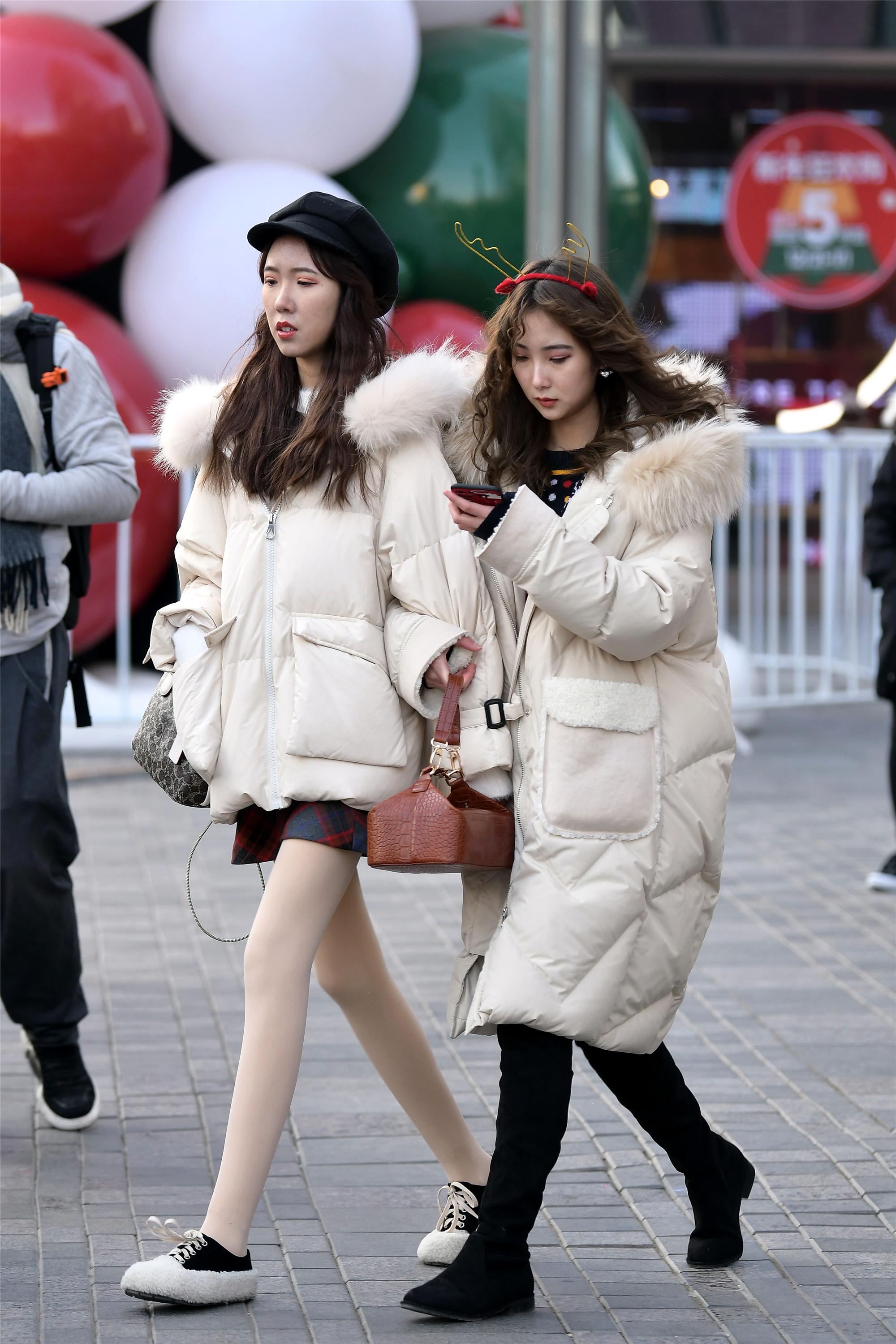 如果闺蜜约你穿平底鞋去逛街,你会很开心的接受么?