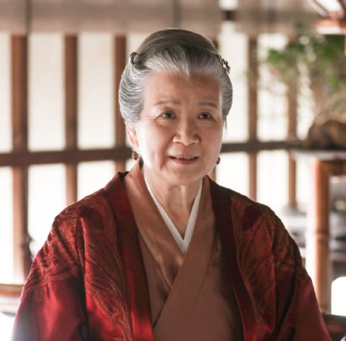 被誉为母亲专业户却没做过母亲,《知否》里演赵丽颖祖母抢镜