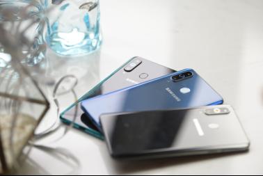 三星Galaxy A8s告诉你,年轻人的手机就应该这样