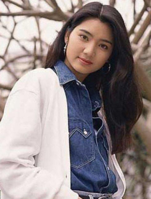 毕滢的颜值气质遭洪欣甩十八条街,张丹峰到底图她什么?