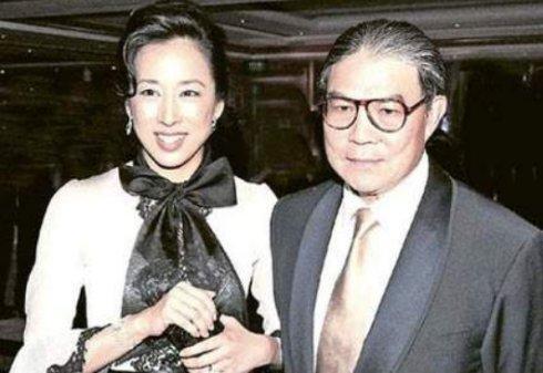 53岁巩俐再婚嫁71岁法国音乐家,她的婚姻经历堪比关之琳