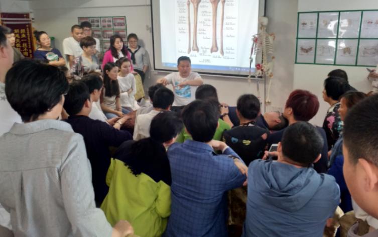 正骨培训汀岚老师解析:民间正骨培训行业分析,小白该如何选择?