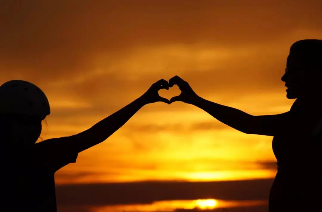 夫妻感情不和应该离婚吗