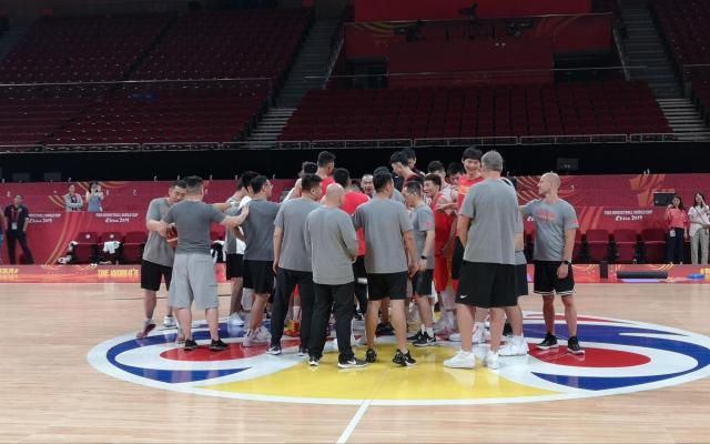 2019年篮球世界杯中国队对战委内瑞拉 小组出局拿