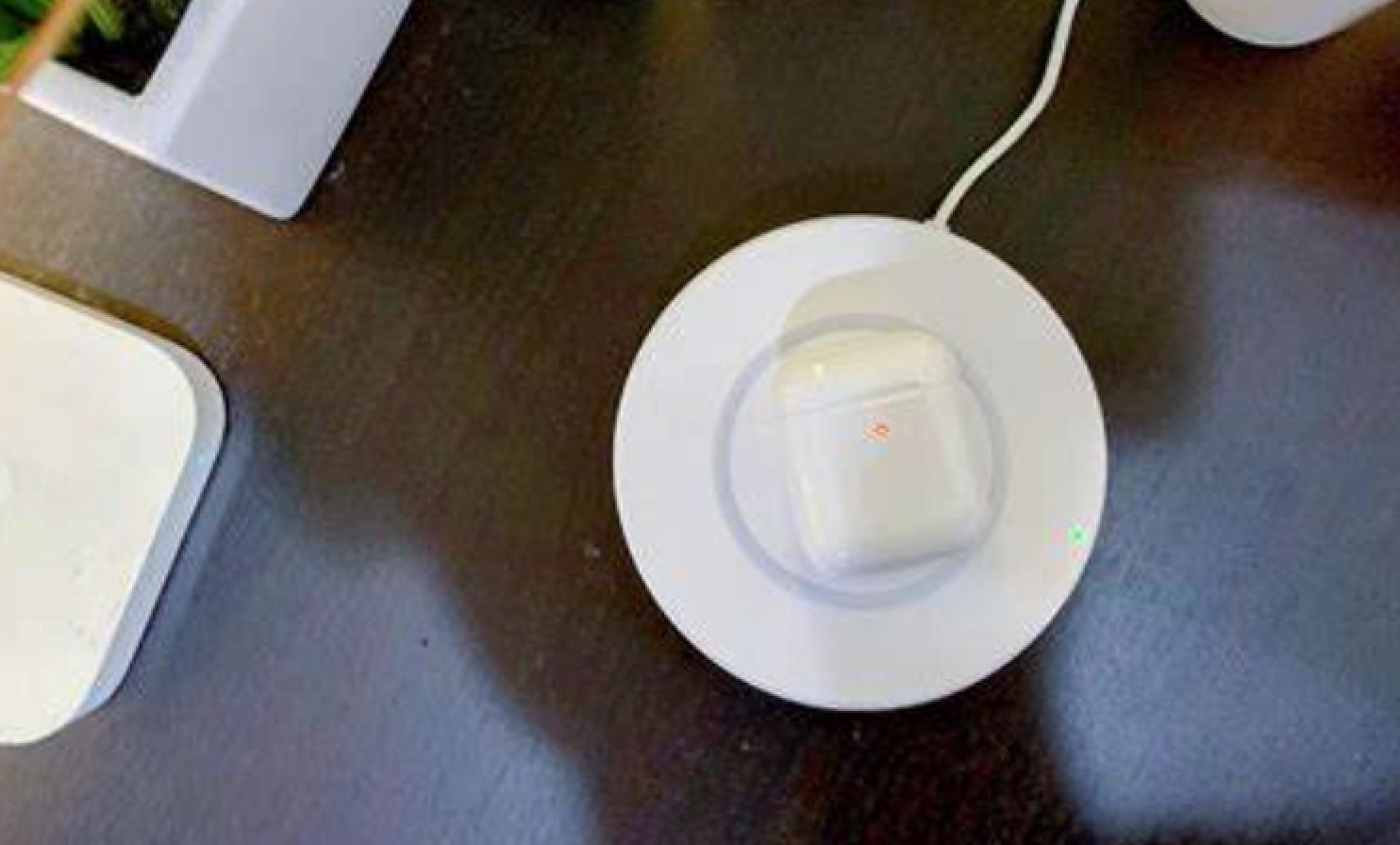 苹果AirPods慌不慌?各路巨头为何同时发力智能耳机