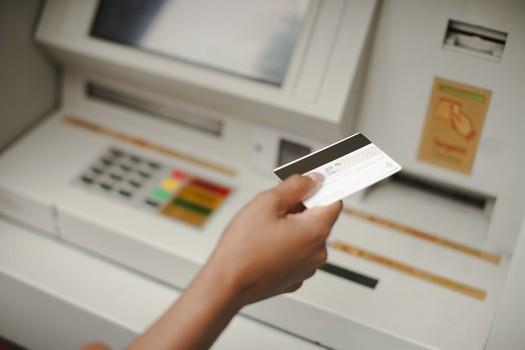 投资理财-新闻配图从首卡额度4千到单卡额度17万, 他是怎样做到的!今日新闻(7)