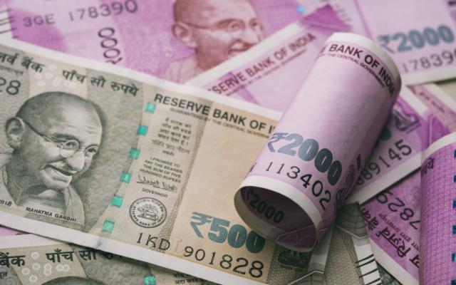 """我的关键词 印度政客宣称""""牛奶中有黄金""""农民听后牵牛去贷款  网贷"""