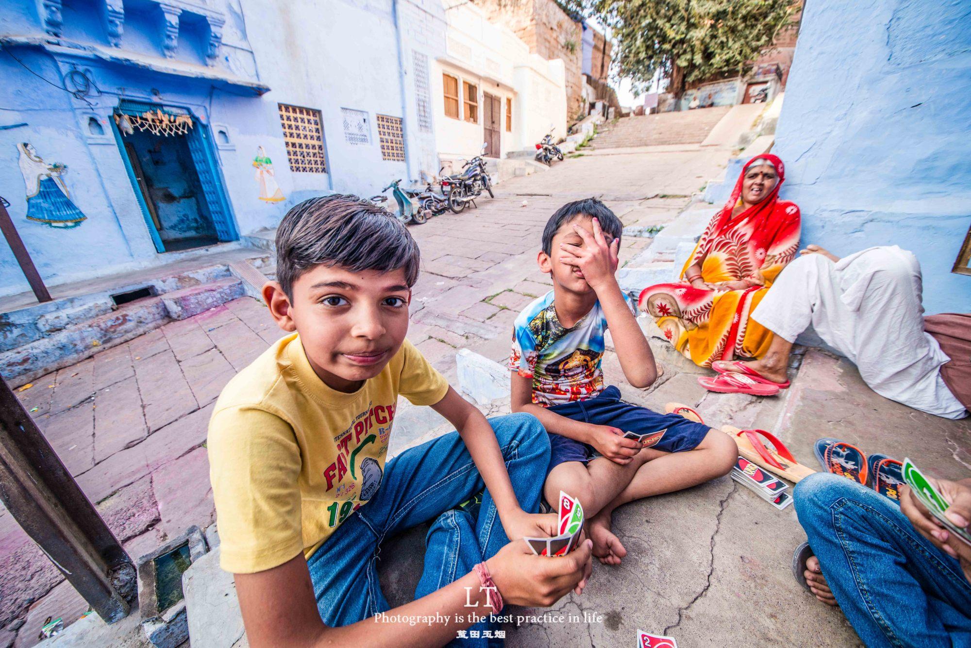 我的关键词 中国女子在印度观光,一不谨慎进了印度人家里,接下来会发生什么  消息资讯