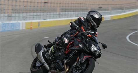 亲赴拉斯维加斯,2020川崎Z H2赛道测试