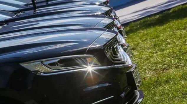买车颜色该怎么选?第一次买车都忽略了,置换时真有影响