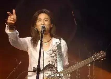 高旗、郑钧11年后再度同台!我哭着大喊永远年轻!