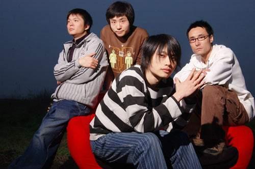 """【千寻计划】成都老牌摇滚乐队主唱,泰然用20年""""成为他自己"""""""