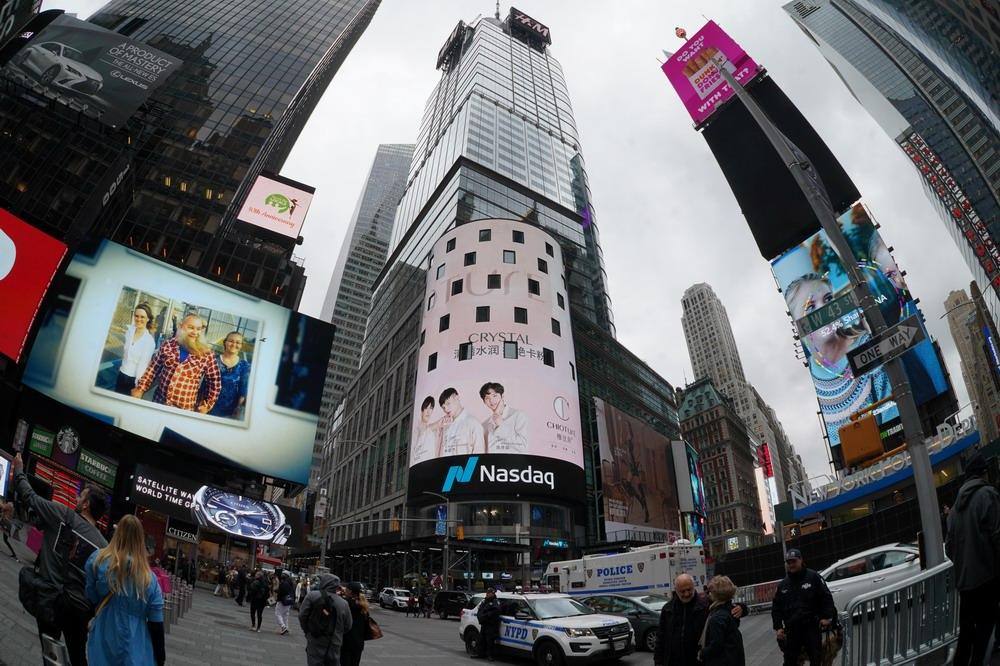 稚优泉品牌强势登陆纽约时代广场,国潮美妆再一次惊艳海外
