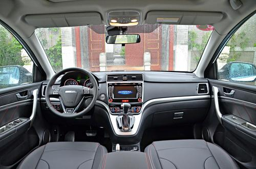 哈弗M6,10万以内的标杆SUV,空间感不输日产奇骏!