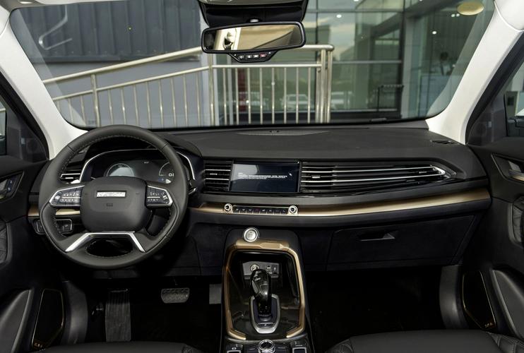 不算便宜,第三代哈弗H6预售12.2万起,看完实车喊真值