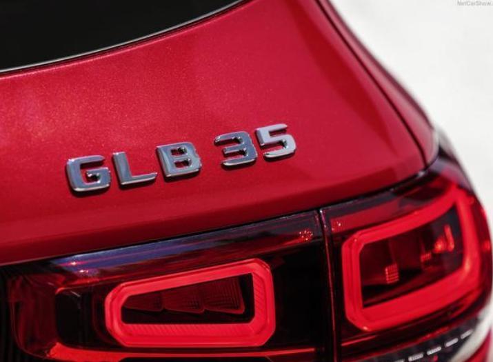 奔驰出首款AMG七座SUV,AMG GLB 35来了,2.0T最大功率225Kw