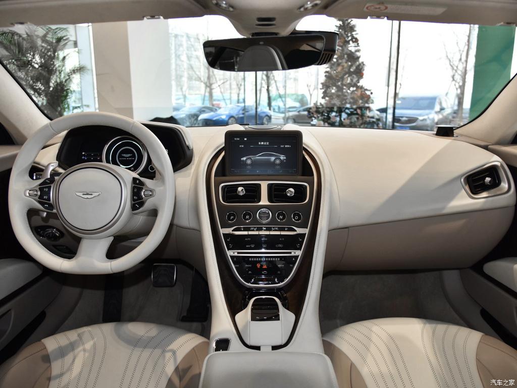 邦德的专用座驾,入门即4.0T+V8,DB11美在哪?